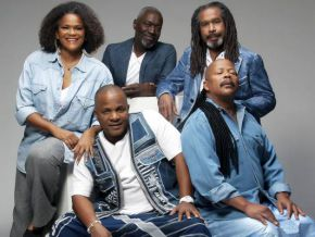 The group Kassav will spend Christmas in Cameroon