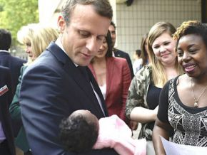 Is it true that a Cameroonian woman, in Paris, named her son Emmanuel Macron?