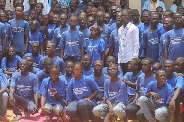 100-jeunes-formes-au-respect-des-valeurs-republicaines-a-l-est-du-cameroun