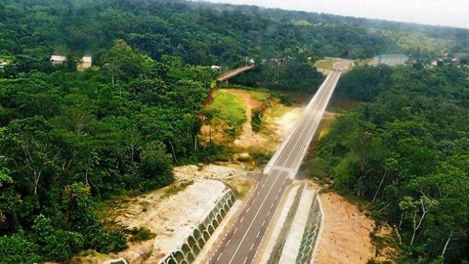 sud-ouest-le-cameroun-et-le-nigeria-desormais-relies-par-un-pont-de-408-m