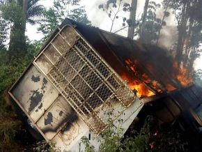 It is true: a brewery's truck has been burned around Bamenda!