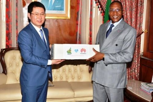 Covid-19: Huawei offers Cameroon AI tool for quick diagnosis