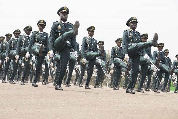 sortie-des-eleves-officiers-de-l-armee-une-ceremonie-sans-le-president-de-la-republique-pour-cause-de-covid-19