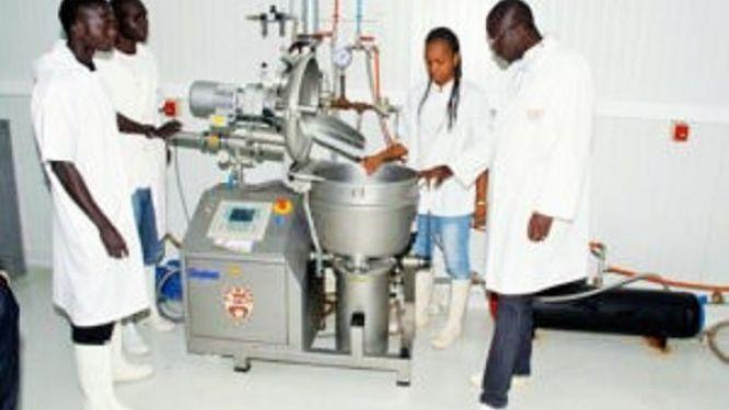 l-impm-pret-a-relancer-son-unite-de-production-de-chloroquine-et-a-tester-les-cas-suspects-de-covid-19