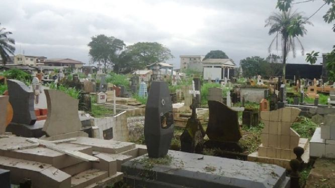 extreme-nord-des-tombes-profanees-a-gobo-le-prefet-prescrit-la-securisation-du-cimetiere