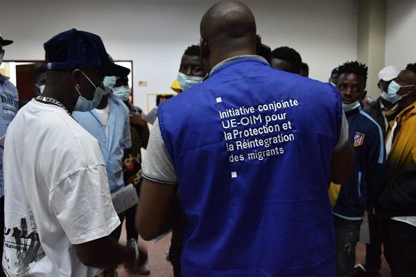 immigration-clandestine-retour-de-25-camerounais-apres-le-deces-d-une-migrante-en-plein-desert