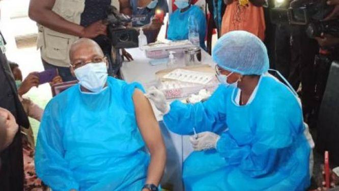 covid-19-le-cameroun-face-aux-campagnes-contre-la-vaccination