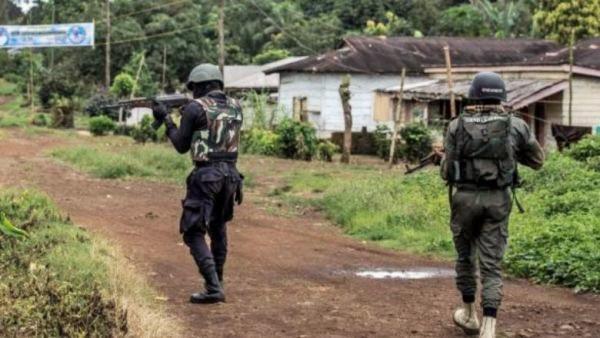 crise-anglophone-la-sous-prefecture-de-balikumbat-incendiee-15-soldats-tues-dans-une-attaque-dans-le-nord-ouest