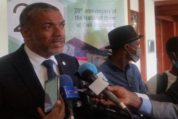 156-nouveaux-membres-integrent-l-ordre-national-de-genie-civil-du-cameroun