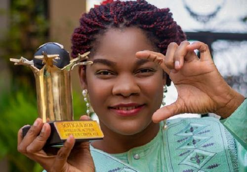 si-pres-si-loin-wins-blanche-bana-best-actress-in-central-africa-at-the-sotigui-awards
