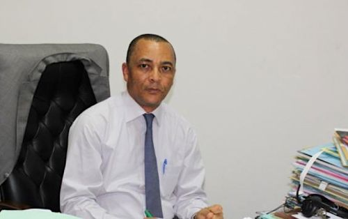 No, Douala port's general director Cyrus Ngo'o is not from the Anglophone region
