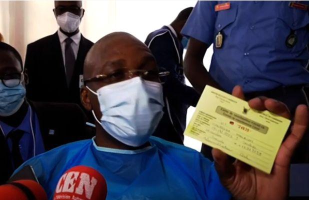 retropedalage-le-directeur-du-cne-annule-sa-decision-d-exiger-une-carte-vaccinale-pour-l-acces-au-centre