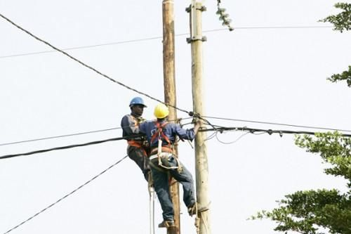 Cameroon initiates negotiations with the EIB and the EU for the financial closing of the rural electrification project Perace