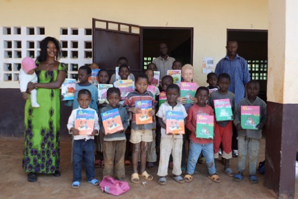education-le-gouvernement-prepare-la-distribution-de-2-5-millions-de-manuels-scolaires