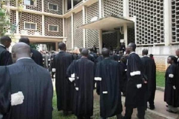 incident-du-tpi-de-bonanjo-deux-avocats-reconnus-coupables-d-escroquerie