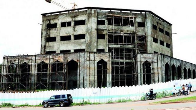 la-fecafoot-relance-les-travaux-de-construction-de-son-immeuble-siege-a-yaounde