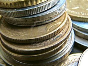 In Cameroon, sellers shun yellow coins