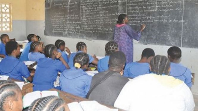 education-la-commission-des-droits-de-l-homme-suggere-l-extension-de-la-gratuite-au-secondaire