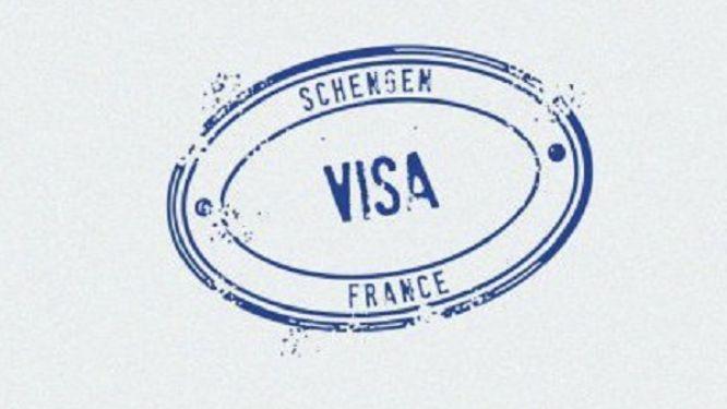 la-france-reprend-la-delivrance-des-visas-mais-l-acces-a-ce-service-est-restreint