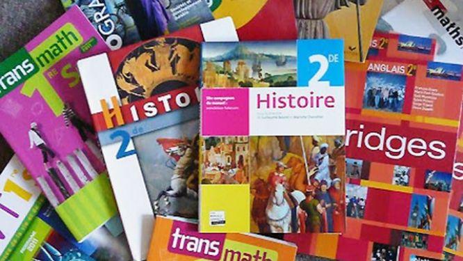 agrement-des-manuels-scolaires-la-conac-saisie-pour-des-suspicions-d-irregularites-et-de-favoritisme