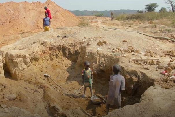 exploitation-miniere-la-sonamines-lance-une-campagne-de-sensibilisation-contre-le-travail-des-enfants