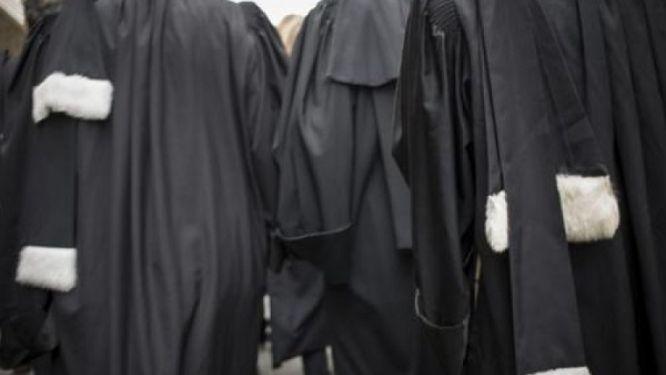 la-crise-entre-le-barreau-et-le-pouvoir-judiciaire-fait-reporter-les-obseques-du-batonnier-tchakoute-patie