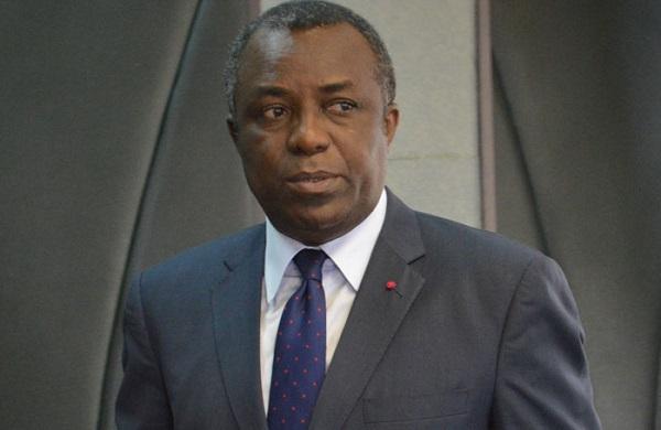 rentree-scolaire-le-cameroun-depense-7-5-milliards-de-fcfa-pour-distribuer-des-livres-aux-eleves