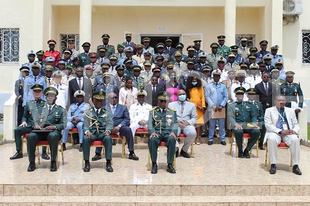 ecole-de-guerre-de-yaounde-la-17eme-promotion-entre-en-formation