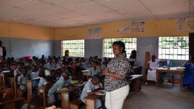 deviances-en-milieu-scolaire-la-caravane-de-l-operation-clean-back-to-school-sillonne-la-region-de-l-est