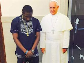 Stanley Enow got Pope Francis singing
