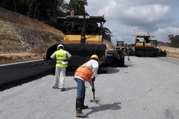 les-chantiers-d-autoroutes-ralentis-par-impayes-et-les-problemes-d-indemnisation